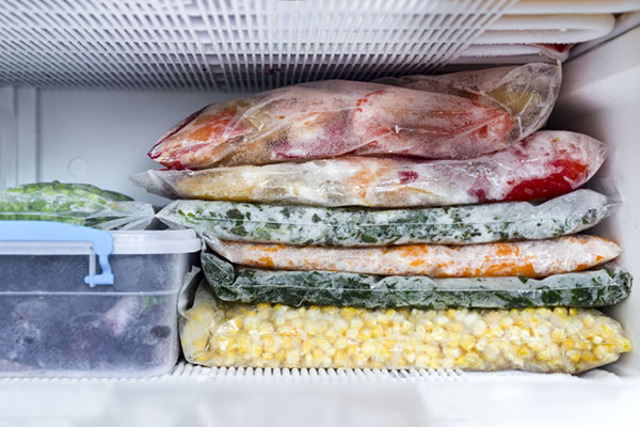 Cuộn dây ngưng tụ bị bẩn khiến tủ lạnh không đông đá