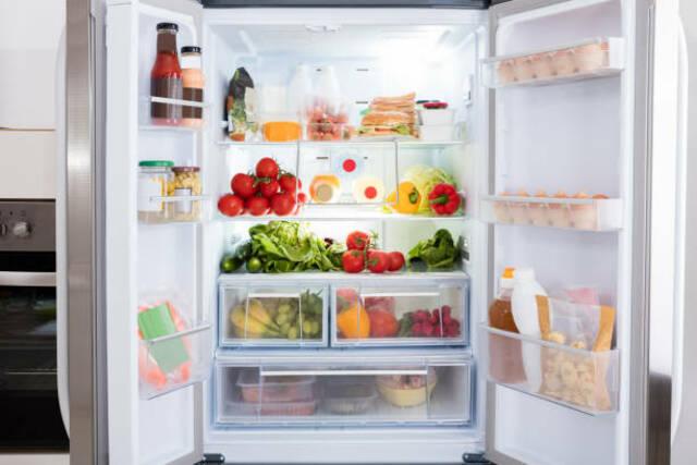 Đối với cách chọn mua tủ lạnh bạn cũng nên xem xét đến các tính năng