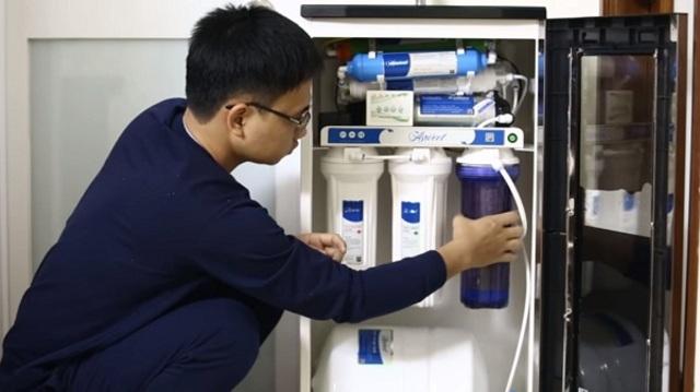 Đường nước bị e khí là một trong các nguyên nhân chủ yếu thường gặp khiến dòng chảy bị yếu