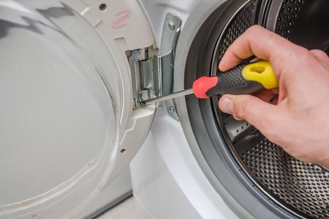 Linh kiện máy giặt bị hư hỏng