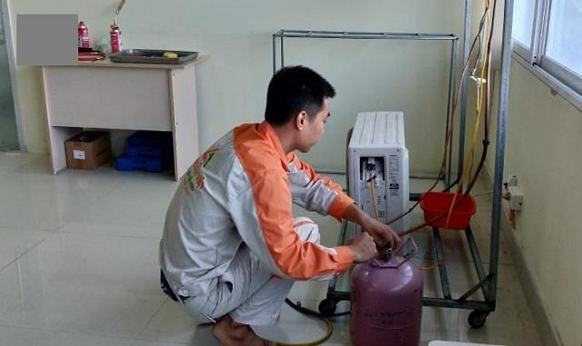 Quy trình nạp gas cần được tiến hành chỉnh chu, tỉ mỉ