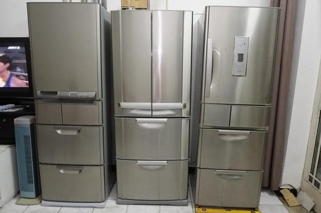 Ảnh minh họa những chiếc tủ lạnh đã cũ, tuổi đời cao